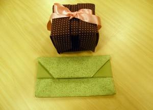 caixinha-e-carteira-feitas-com-origami-de-tecido