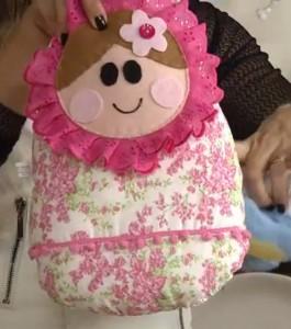 almofada-bonequinha-matrioska-para-bebê