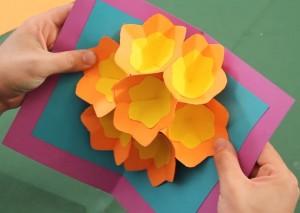 cartão-3d-com-flores-para-o-dia-das-mães