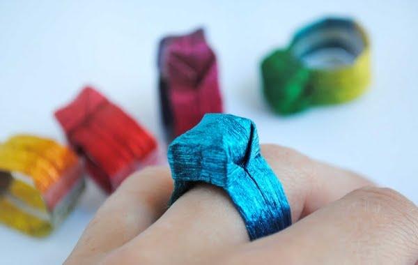 como-fazer-um-anel-de-papel-em-origami-1