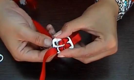 como fazer pulseira com lacres de latinhas de alumínio