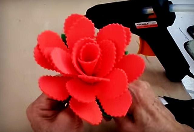 Flor em EVA rápida e fácil Artesanato passo a passo