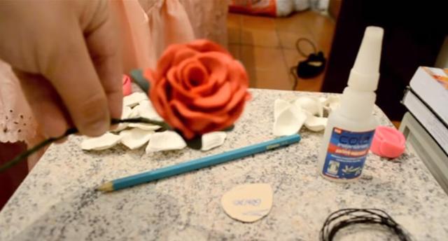 Como fazer Flor em EVA realista e perfeita com molde