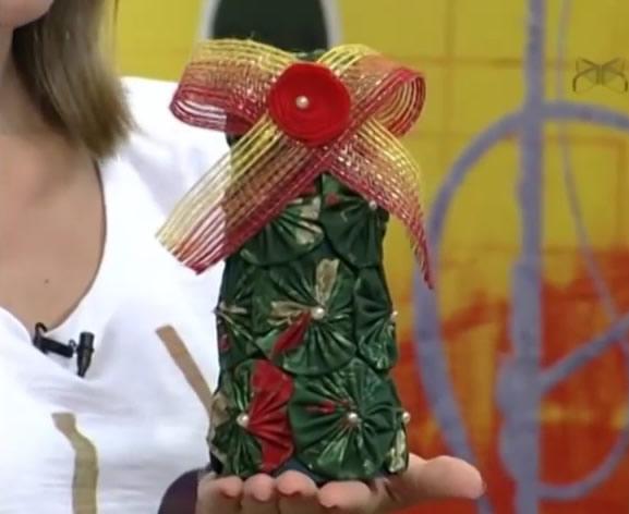 Enfeite com Fuxicos para Decoração de Natal