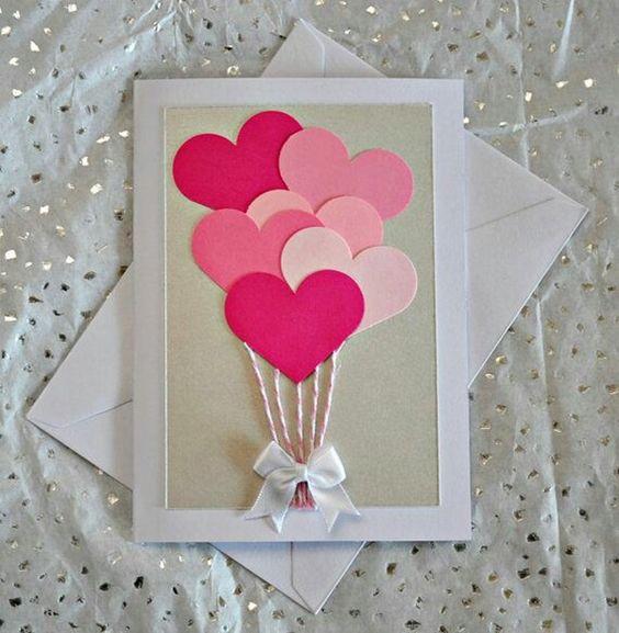 cartão para mãe com recortes de coração