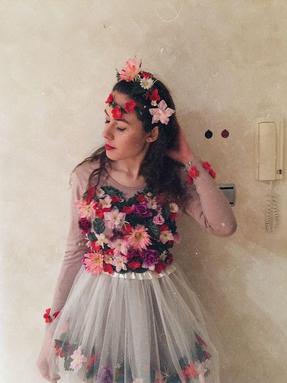 fantasia com muitas flores