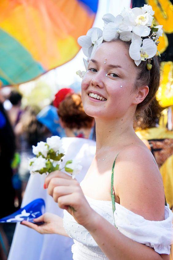 fantasia de flores brancas